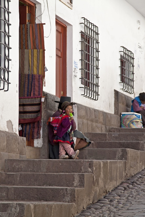 peru / a thousand threads