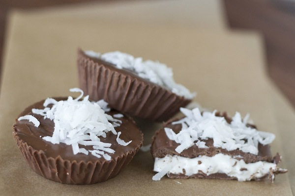homemade mallo cups / a thousand threads